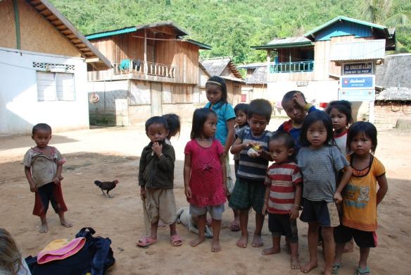 DSC_4621_Village_kids